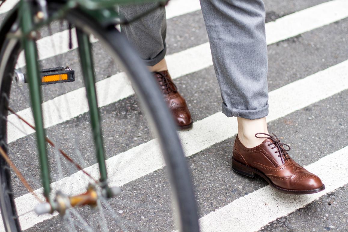 林果良品全翼紋雕花牛津鞋